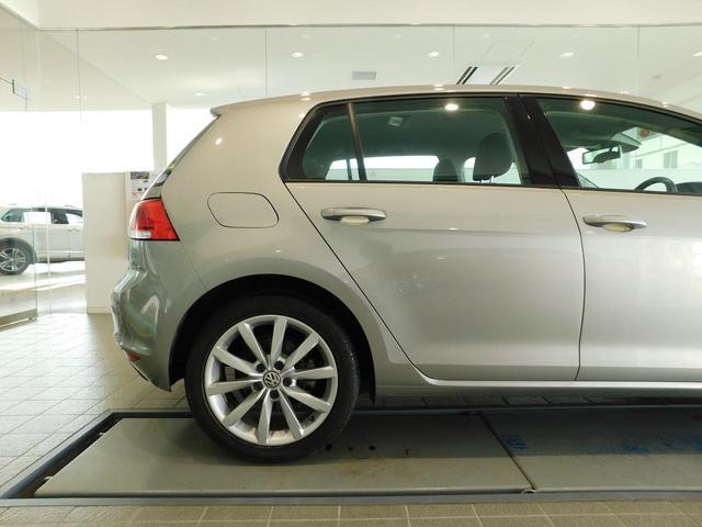 サービスにはドイツ本国と同様に教育と訓練を受け、VWを知り尽くした「マイスター」が数多く在籍しております。71項目に及ぶ納車前点検整備で、お客様に安心と安全をお届けいたします。