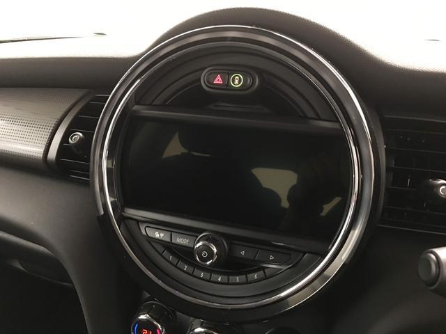 常時展示車40台程ございます!是非様々なMINIを実際に観て触れてください!!(047-307-7800)