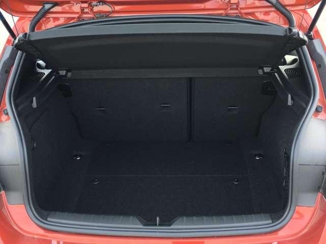 BMW BMW 218d xDriveアクティブツアラーラグジュアリ 4WD