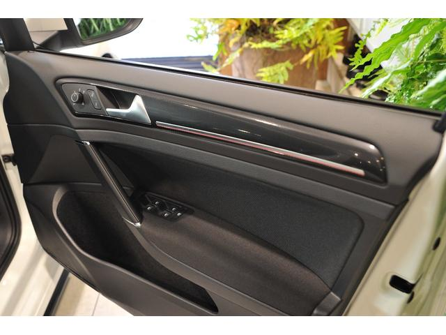 フォルクスワーゲン VW ゴルフGTI DCCパッケージ 18インチアルミ