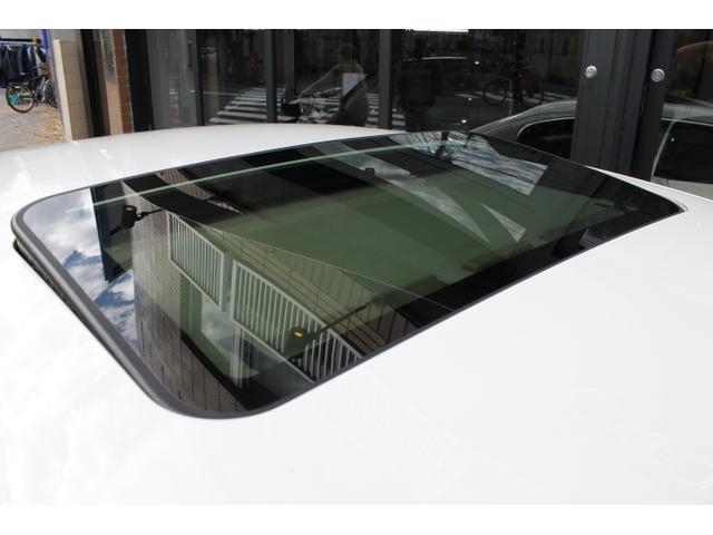 マセラティ マセラティ クアトロポルテ ベースグレード オートマチック サンルーフ ベージュ革