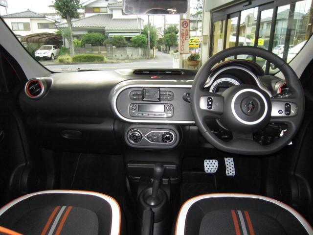 「ルノー」「 トゥインゴ」「コンパクトカー」「東京都」の中古車43