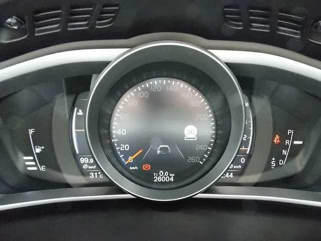 走行距離は約26,000km。まだまだこれからです。安心のご納車前整備・新車保証継承車ですので長くお乗りいただけます。お問い合わせはボルボ・カー八王子加藤潤一TEL:042-653-9877まで
