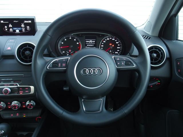 アウディ アウディ A1スポーツバック 1.0TFSI認定中古車ナビゲーション コンビニP KG