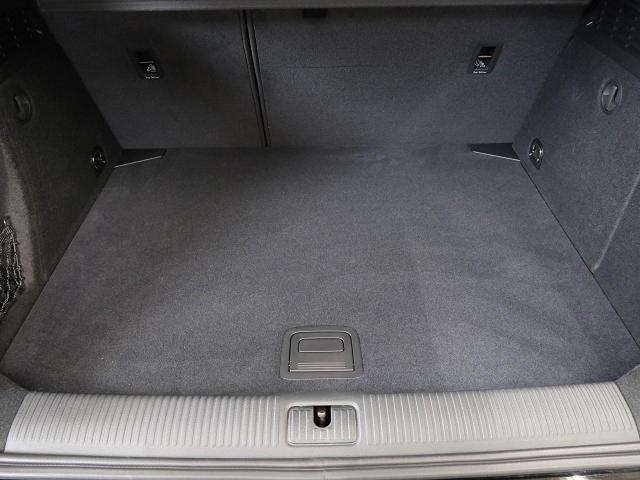「アウディ」「A3」「コンパクトカー」「神奈川県」の中古車17
