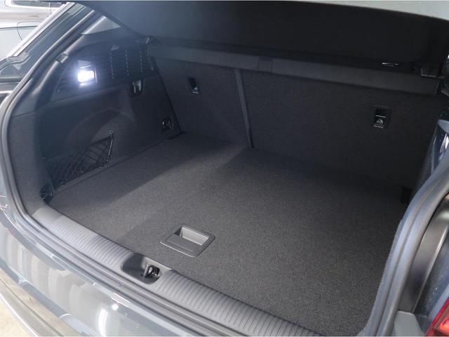 「アウディ」「Q2」「SUV・クロカン」「神奈川県」の中古車18