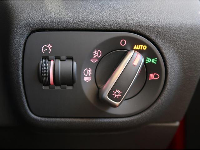1.0TFSIスポーツ 認定中古車 MMIナビゲーション バックカメラ アドバンストキー コントラストルーフ バイキセノン Bluetooth オートエアコン ビルトインETC(11枚目)