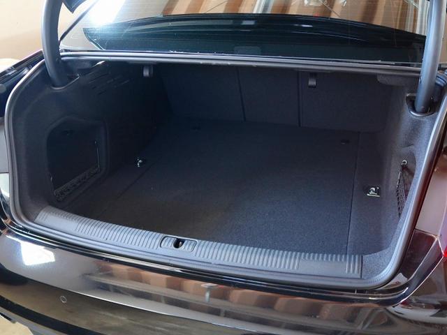 2.0TFSIクワトロスポーツ 1オーナー 禁煙車 レザーパッケージ ミラノレザーシート LEDライティングパッケージ シートヒーター アダプティブクルーズコントロール パドルシフト アドバンストキー ビルトインETC(17枚目)