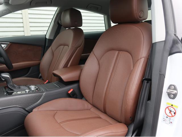 ●身体をしっかりとホールドして正しい姿勢を保ちながら、長時間のドライブでも疲れないかけ心地を両立させたシート。