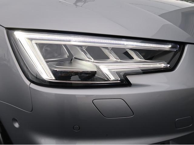 ●マトリクスLEDヘッドライト『複数のセンサーとカメラによって他車や歩行者を検出。ドライバーや歩行者の視界を妨げることが無いように、約1億通りの自動配光が可能です。』
