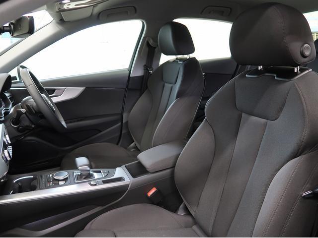 ●フロントシートの足元のスペースを拡大し、リヤシート頭上にも空間を確保。これにより前後席ともに快適性がアップしました。