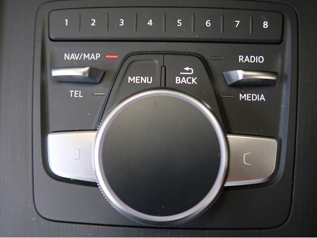 回す・押す・なぞるといった動作でナビやメディアなどを感覚的に操作することができます。