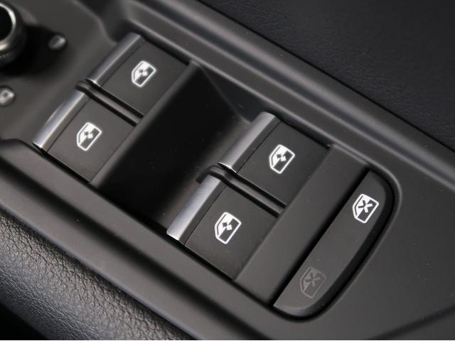 〈パワーウィンドウスイッチ〉使用頻度の高いウィンドウスイッチも問題なく作動致します。Audi車はこういったスイッチの操作感触にこだわりをもっています。