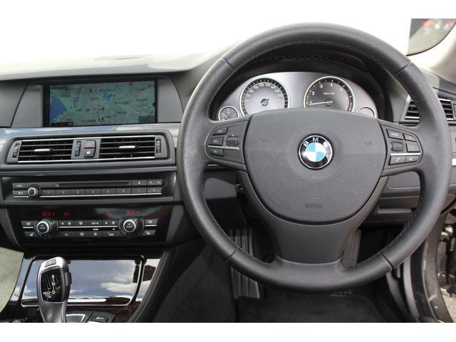 BMW BMW 528i ワンオーナー 黒革 ナビ フルセグ 18AW