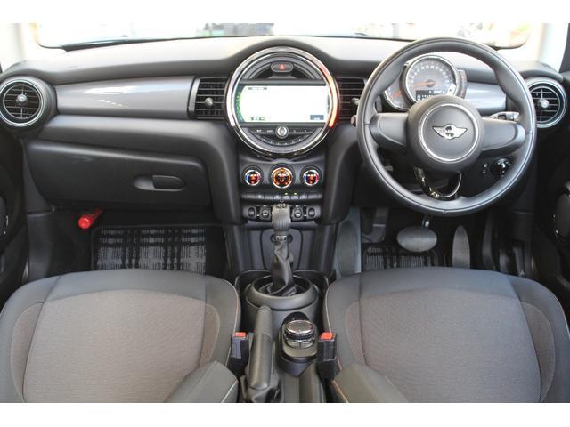クーパーD 認定保証2年付・コンフォートA・純正HDDナビ・LEDヘッドライト・ETC・後付ユニオンジャックテールライト・6速AT・ブラックルーフ・純正15インチAW(12枚目)
