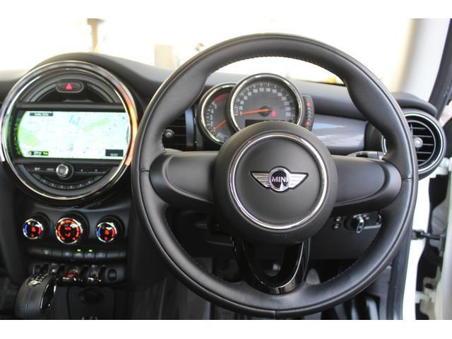 クーパーD 認定保証2年付・コンフォートA・純正HDDナビ・LEDヘッドライト・ETC・後付ユニオンジャックテールライト・6速AT・ブラックルーフ・純正15インチAW(13枚目)