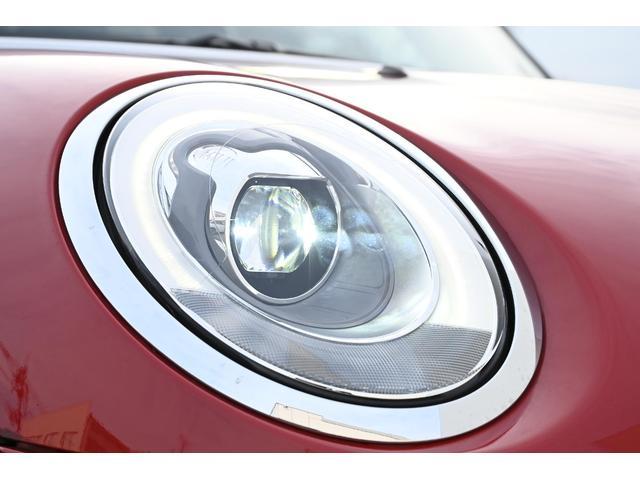 クーパー 認定保証1年付・6速AT・ドライビングモード付・ブラックルーフ・ルーフステッカー・純正HDDナビ・社外リアカメラ・LEDヘッドライト・ETC・純正15インチAW(20枚目)