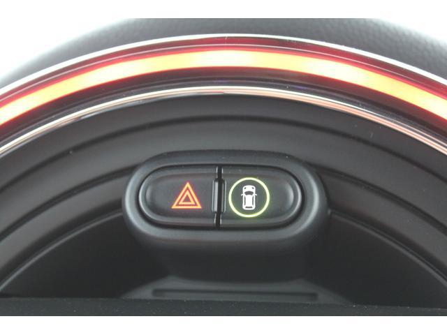 クーパー コンバーチブル 認定保証2年付・純正レザー・Fシートヒータ・コンフォートA・Dアシスト・純正ナビ・リアカメラ・前後PDC・ETC・LED・7速DCT・黒幌・ユニオンジャックテールライト・純正17インチAW(16枚目)