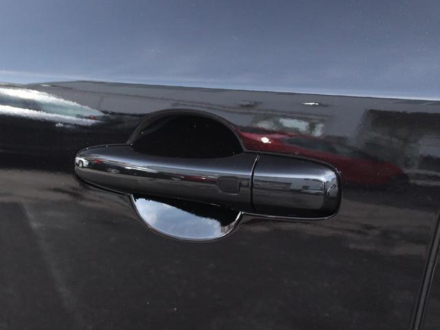 ボルボ ボルボ V60 T3 SE登録済未使用車 ブラック革 Bカメラ ナビ