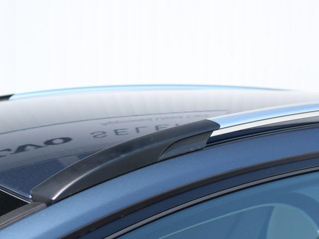 ボルボ ボルボ V40 クロスカントリー D4 サマム登録済未使用車 ベージュ革