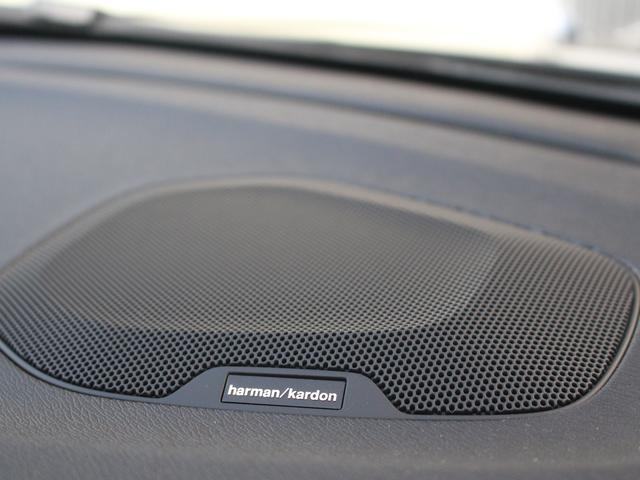 ボルボ ボルボ V40 T3 インスクリプション社内使用 harmanサウンド 黒革