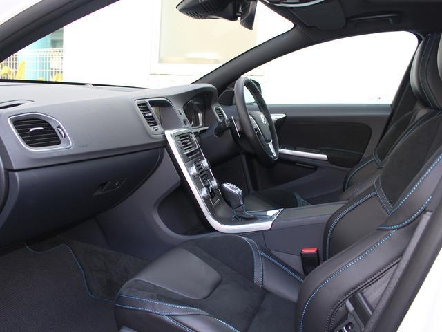 ボルボ ボルボ S60 ポールスター35台限定車 コンプリートモデル 社内使用車