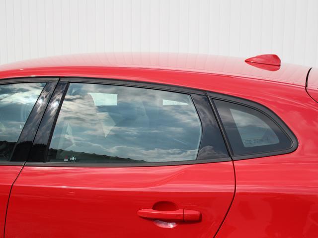 ボルボ ボルボ V40 T3 モメンタム2017年モデル 縦列駐車支援 チェック内装