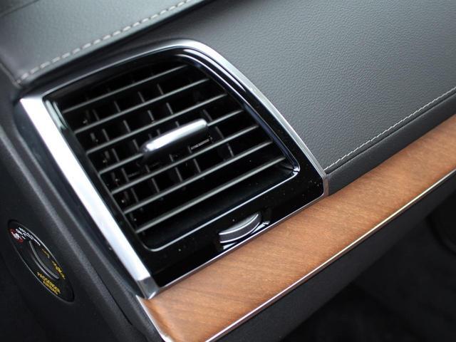 D5 AWD インスクリプション パノラマルーフ 茶レザー(14枚目)