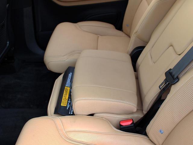 T6 AWD インスクリプション パノラマガラスルーフ(13枚目)