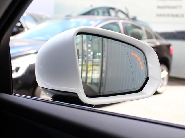死角に入った車を感知して運転者に危険を知らせる「BLIS」を搭載。ステアリングアシスト機能付きで自車線から無意識に逸脱した際はハンドル操作を修正してくれる安心のサポート機能です!