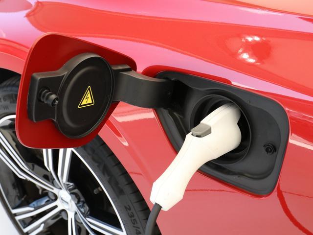 T6 ツインエンジン AWD インスクリプション プラスパッケージ プラグインハイブリッド harman/kardonプレミアムサウンド 電動パノラマサンルーフ ステアリングホイールヒーター 19インチアルミ 前後シートヒーター パワーテールゲート(7枚目)