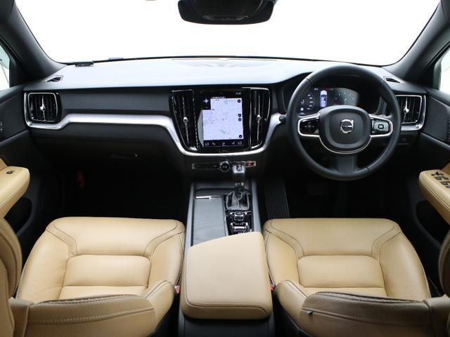 クロスカントリー T5 AWD レザーパッケージ 純正ドラレコ キーレス LEDヘッドライト シートヒーター リアカメラ&360度カメラ 緊急エマージェンシーブレーキ フロント8ウェイパワーシート パワーテールゲート ルーフレール(4枚目)