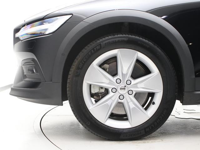 クロスカントリー T5 AWD レザーパッケージ 純正ドラレコ キーレス LEDヘッドライト シートヒーター リアカメラ&360度カメラ 緊急エマージェンシーブレーキ フロント8ウェイパワーシート パワーテールゲート ルーフレール(7枚目)