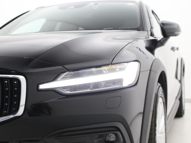 クロスカントリー T5 AWD レザーパッケージ 純正ドラレコ キーレス LEDヘッドライト シートヒーター リアカメラ&360度カメラ 緊急エマージェンシーブレーキ フロント8ウェイパワーシート パワーテールゲート ルーフレール(14枚目)