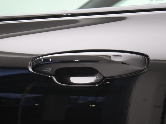 クロスカントリー T5 AWD レザーパッケージ 純正ドラレコ キーレス LEDヘッドライト シートヒーター リアカメラ&360度カメラ 緊急エマージェンシーブレーキ フロント8ウェイパワーシート パワーテールゲート ルーフレール(16枚目)