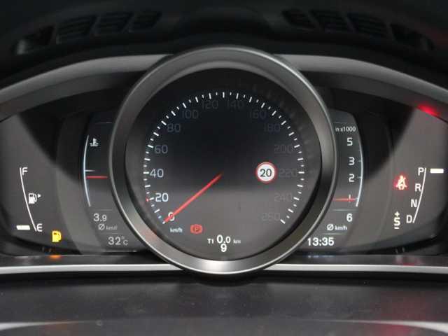 ボルボ ボルボ V40 D4 キネティック 当店試乗車 LEDヘッドライト