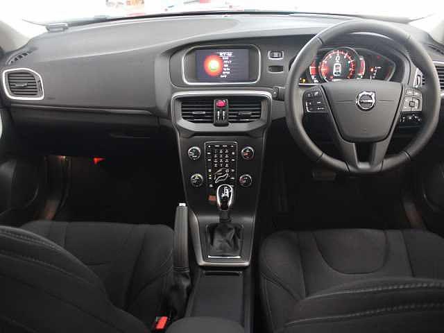 ボルボ ボルボ V40 T2 KINETIC HDDカーナビ 当店試乗車