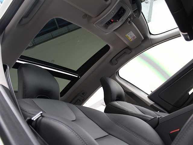 ボルボ ボルボ XC60 D4 クラシック パノラマガラスサンルーフ 本革シート
