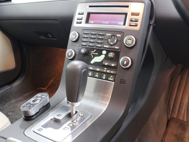 ボルボ ボルボ S80 2.5T SE レザー・パッケージ HDDカーナビゲーション