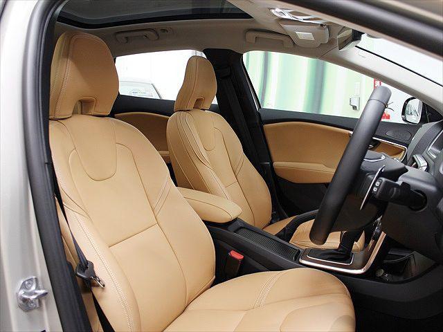 ボルボ ボルボ V40 クロスカントリー T5 AWD サマム 2018年モデル