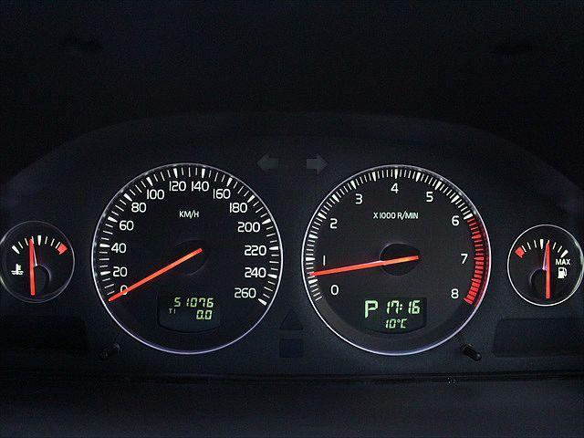 ボルボ ボルボ XC90 2.5T 7人乗り 18インチアルミホイール 新品タイヤ装着