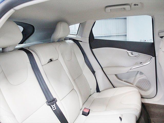 クロスカントリー T5 AWD SE リアシートヒーター(8枚目)