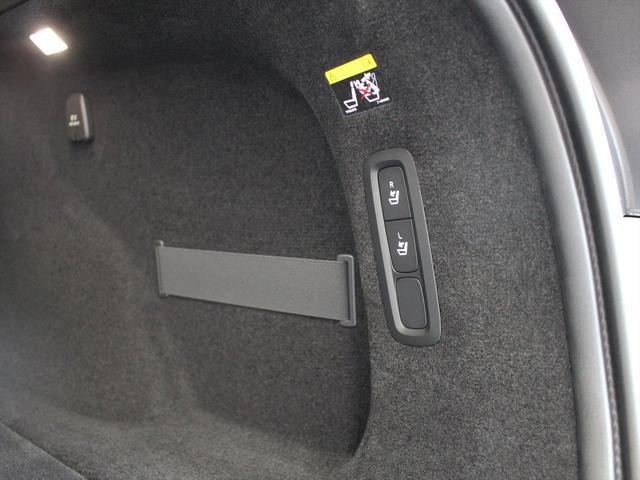 「ボルボ」「V90」「SUV・クロカン」「東京都」の中古車23