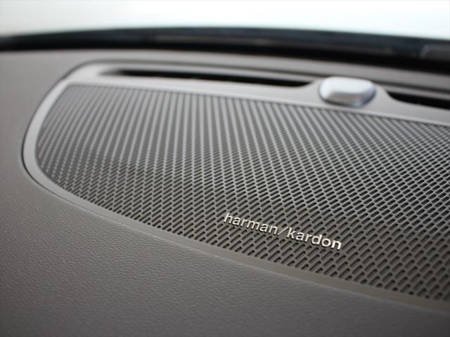 クロスカントリー T5 AWD プロ ナッパレザーシート プレミアムオーディオ LEDヘッドライト パイロットアシスト ハンズフリーテールゲート 駐車アシスト機能(4枚目)
