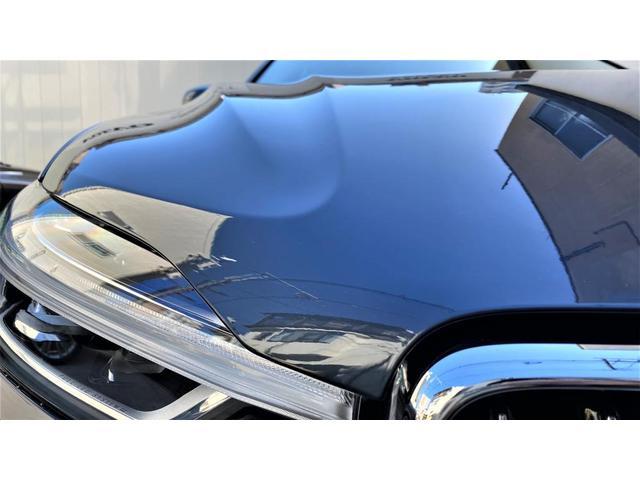 D4 AWD インスクリプション 2020年モデル レザーシート  前後シートヒーター ベンチレーション ステアリングヒーター サンルーフ ヘッドアップディスプレイ B&W ウッドパネル 前後パーキングセンサー(5枚目)