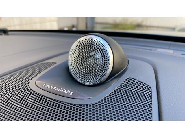 D4 AWD インスクリプション 2020年モデル レザーシート  前後シートヒーター ベンチレーション ステアリングヒーター サンルーフ ヘッドアップディスプレイ B&W ウッドパネル 前後パーキングセンサー(12枚目)