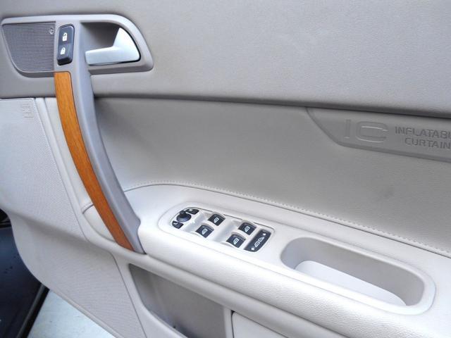 「ボルボ」「ボルボ C70」「オープンカー」「東京都」の中古車37