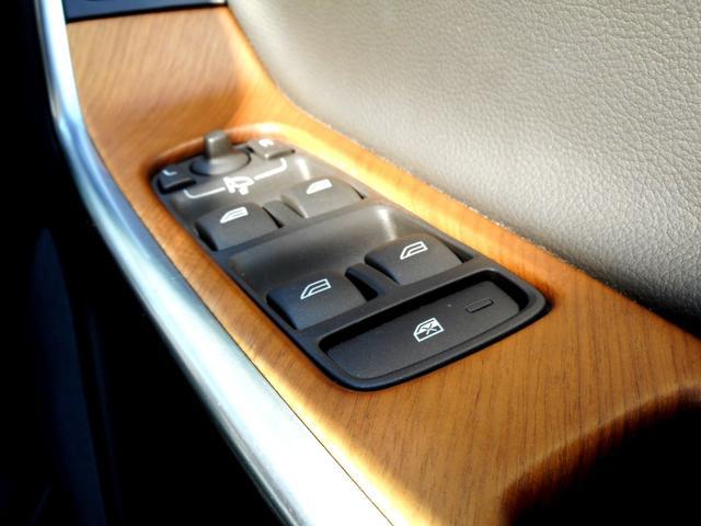 「ボルボ」「ボルボ XC60」「SUV・クロカン」「東京都」の中古車58