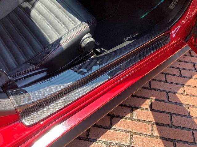 ベースグレード レザーナビパッケージ/純正メモリナビ/バックカメラ/フルセグTV/ETC/レッドブラックコンビレザーシート/LEDヘッドライト/クルーズコントロール/オープントップ/シートヒーター(17枚目)