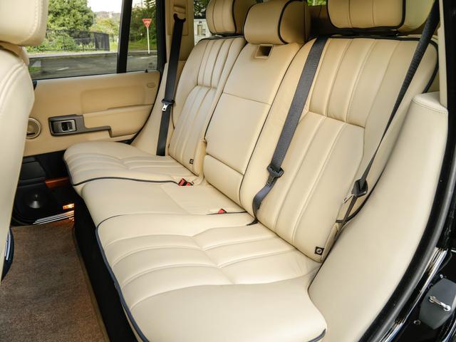 後部座席も使用感なくとてもきれいです。